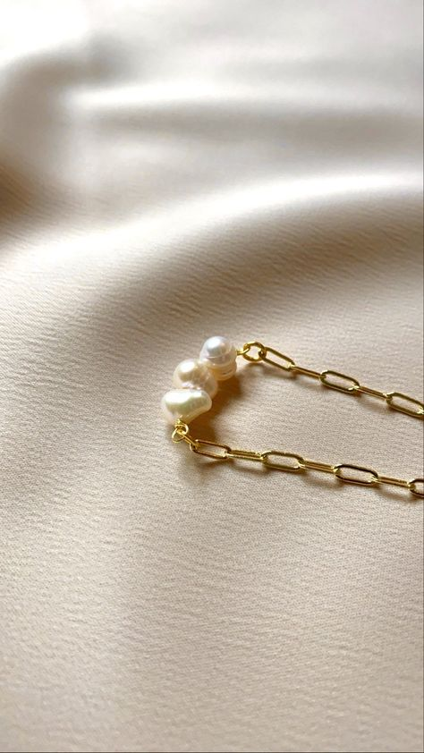 Cream Aesthetic, Aesthetic Light, Aesthetic Women, Gold Aesthetic, Dainty Gold Necklace, Delicate Jewelry, Freshwater Pearl Necklaces, Pearl Jewelry, Cute Jewelry