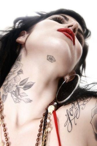 Tattoo Rose Neck Kat Von D 23 Ideas Neck Tattoo Best Neck Tattoos Tattoos For Daughters