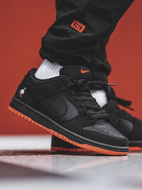 Nike SB Dunk Low 'Black Pigeon' - 2017 (by. – Nike SB Dunk Low 'Black Pigeon' - 2017 (by bstnstore) Sneaker Outfits, Nike Outfits, Converse Sneaker, Puma Sneaker, Nike Sb Shoes, Nike Shoes For Sale, Skate Shoes, Sneakers Mode, Sneakers Fashion