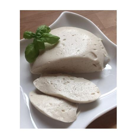 Cashew Mozzarella ► Vegan recipe on 100Monkeys.de -  The cashew mozzarella recipe on 100Affen.de, Now you can find, collect and print vegan recipes quic - #100Monkeysde #Cashew #decorationappartement #DietandNutrition #diyhomeonabudget #Mozzarella #Recipe #roomdecoration #Vegan