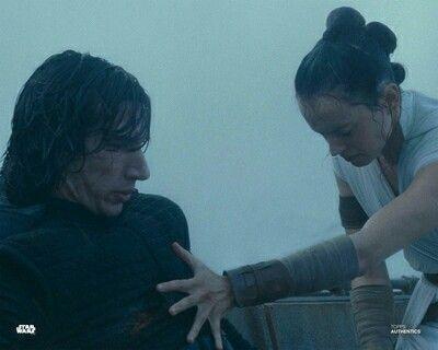 Rey Ben Rey Starwars Theriseofskywalker In 2020 Star Wars Website Star Wars Fanfiction Rey Star Wars