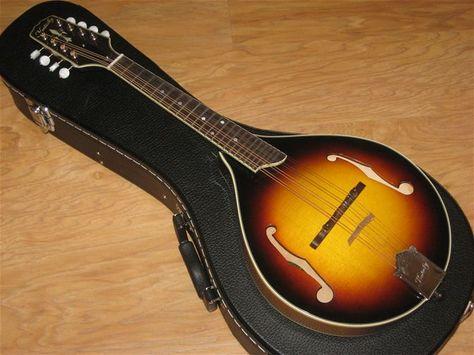 Kentucky KM1050 Deluxe F Style Mandolin - The Mandolin Store