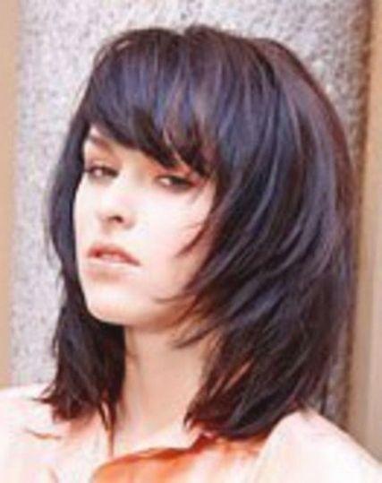 Frisuren Mittellang Durchgestuft Mit Pony Frisuren Haarschnitt