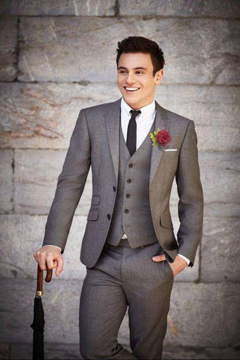 Wedding Suit 2017 Latest Coat Pant Designs Smoking Grey Men Suit Wedding Suits For Men Terno Slim Fit Style Blazer 3 Piece Tuxedo Masculino Dapper Gentleman, Style Gentleman, Modern Gentleman, Dapper Man, Sharp Dressed Man, Well Dressed Men, Fashion Mode, Suit Fashion, Mens Fashion