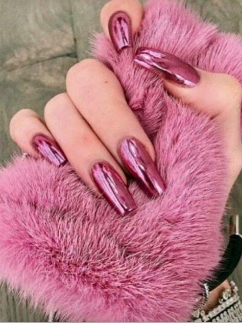 Beautiful pink chrome nails set!