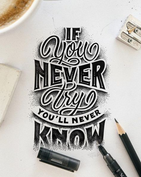 In this article you will learn 9 different hand lettering styles. You will learn the characteristsics, when to use them and how to create them step-by-step!