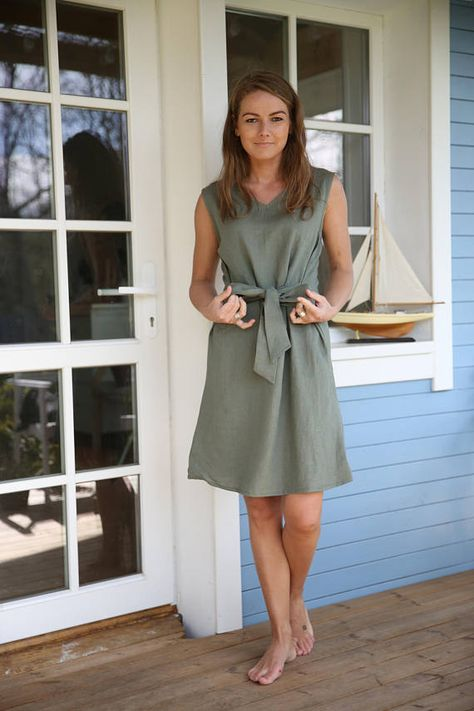 Elegant linen dress with waist ribbon in Green colour.