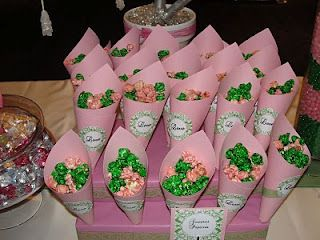 Apple and strawberry-flavored pink and green popcorn