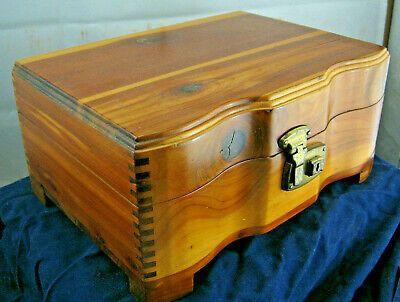Ebay Ad Link Vintage Cedar Jewelry Box 10 Wide X 5 Tall X 7 Deep Very Nice In 2020 Ebay Cedar Vintage