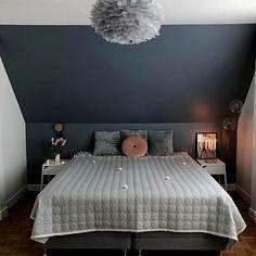 Fantastische Farbige Wand Schlafzimmer Schrage Wunderbare Farben