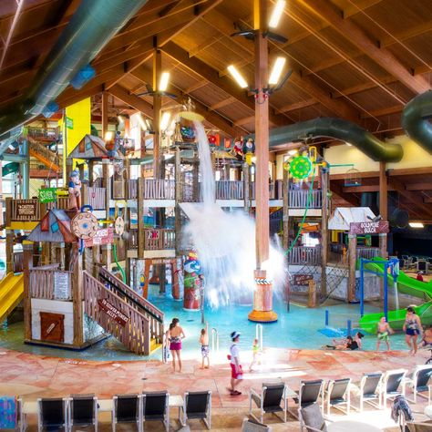 Staying at America's Largest Waterpark Resort - Wild West, Wilderness Resort, Wisconsin Dells, WI, USA -
