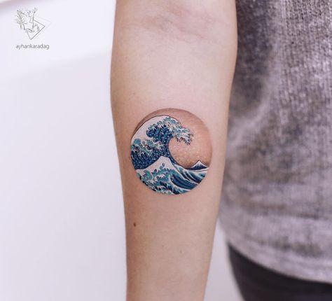 "Instagram'da Ayhan Karadag: ""katsushika hokusai -The Great Wave off Kanagawa 🌊 _________ #ayhankaradag #thegreatwaveoffkanagawa #tattooidea #katsushikahokusai…"""