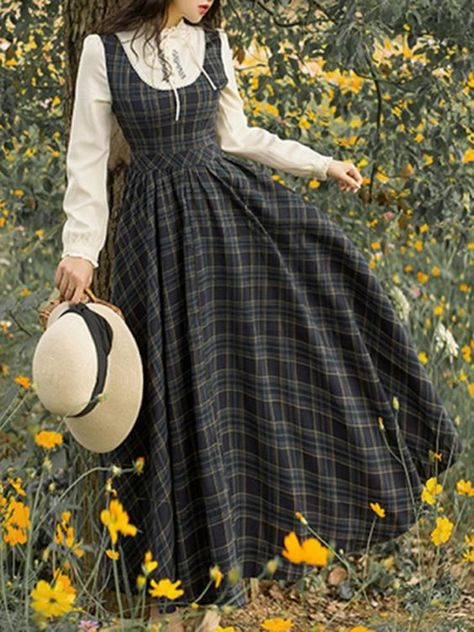 Fashion Plaid High Waist Swing Dress – undaylily Source by UndaylilyShop women clothes Old Fashion Dresses, Modest Fashion, Fashion Outfits, Muslim Fashion, Dress Fashion, Fashion Clothes, Fashion Hacks, Modern Hijab Fashion, Korean Girl Fashion