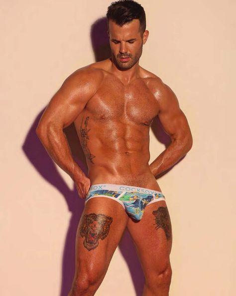 Gay bobsledder Simon Dunn transforms himself into - Meaws Love