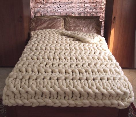 Sale Chunky knit blanket. Thick knit throw. Chunky knit throw. Merino wool blanket. Arm knit blanket