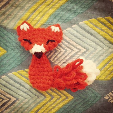 several patterns here fox, white squirrel, bear, bird, acorn, hedgehog, bee, owl, mushroom, etc.. could be appliques or lil ornaments.. 12 days of woodland creatures, crochet