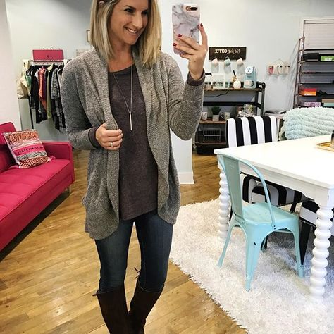 ac3d1bc1386 Building a Fall Capsule Wardrobe - Living in Yellow