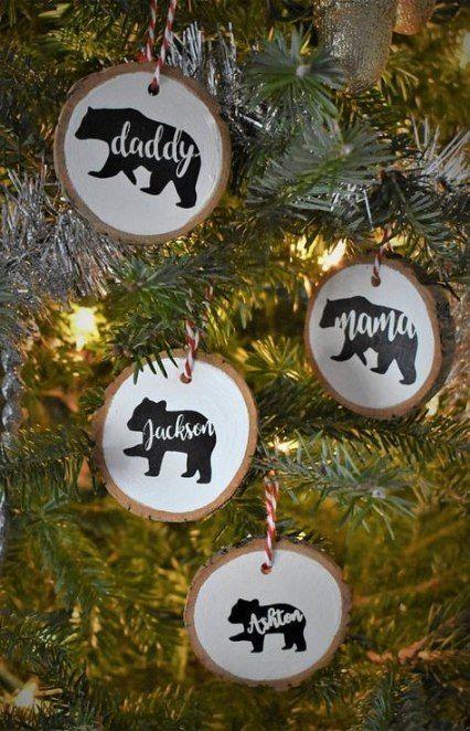 Diy Wood Slice Ornaments Vinyl 25 Ideas Diy Family Christmas Ornaments Wood Christmas Ornaments Diy Christmas Ornaments