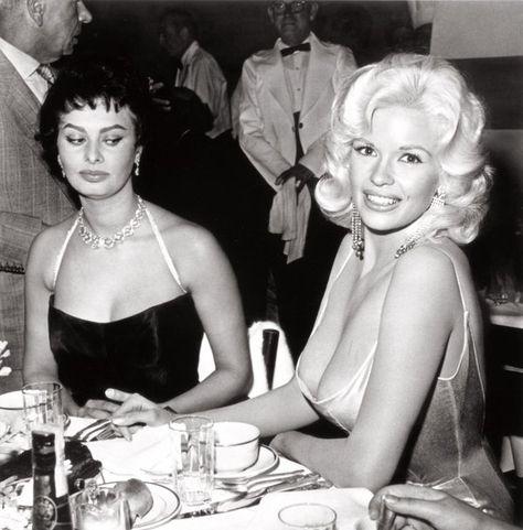 Sophia Loren disapproves of Jayne Mansfield's nipple, 1957