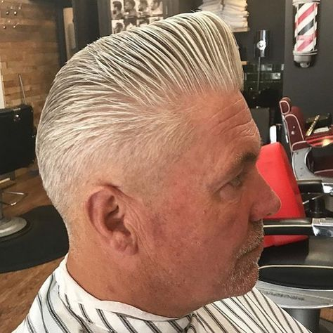 Our #wahlcutoftheday is this @schorembarbier inspired cut from @scammellsbarbershop#wahl #wahlpro #barber #haircut