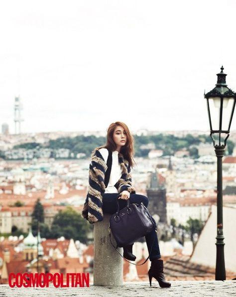 [NEWS]T-ara Jiyeons Collarbone-Shoulder Line is