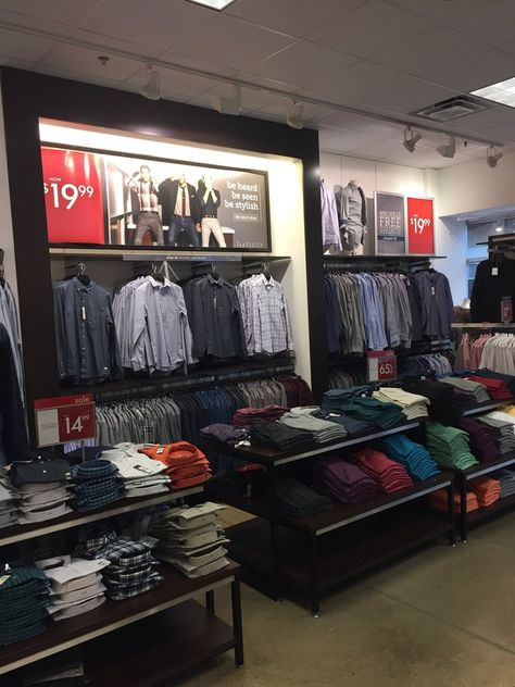 Foto de Van Heusen Factory Outlet Store Leesburg, VA
