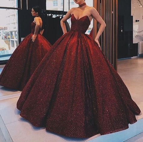 modest sequin prom dresses, glamorous evening gowns with sequins - Outfit ideas Red Ball Gowns, Ball Gowns Prom, Ball Gown Dresses, Evening Dresses, Ball Gowns Evening, Trendy Dresses, Elegant Dresses, Cute Dresses, Vintage Dresses