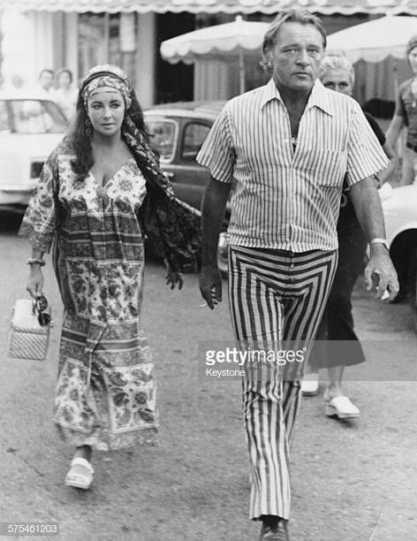 Actors And Spouses Richard Burton And Elizabeth Taylor Walking Elizabeth Taylor Richard Burton Elizabeth Taylor Burton And Taylor