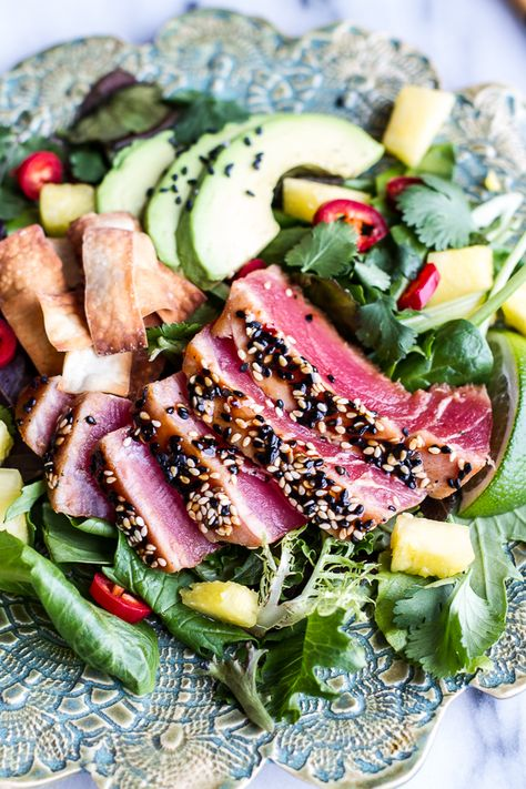 Seared Ahi Tuna Poke Salad with Hula Ginger vinaigrette + Wonton Crisps Holiday Detox- The Mean Green Smoothie | halfbakedharvest.com @hbharvest