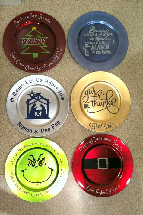 Christmas Holiday Vinyled Charger Plate - FUN and cheap holiday gift!