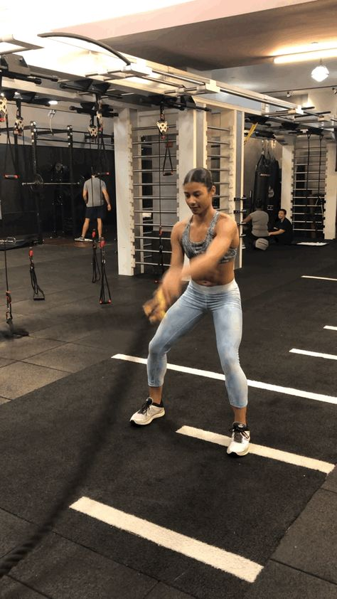 Kneeling Cable Crunch With Alternating Oblique Twists