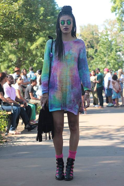 afropunk street style, tie dye top, fashion, streetstyle,  cute, afro hairstyle
