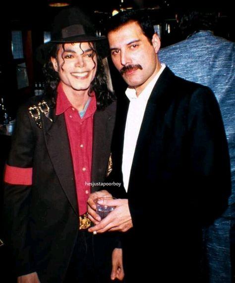 Dois deuses. Apesar de o Michael Jackson ter sido um pedófilo...sempre gostei mais do meu freddinho meixxxmoo #fredddienoriodejaneiro #lugarmaislindodobrasil