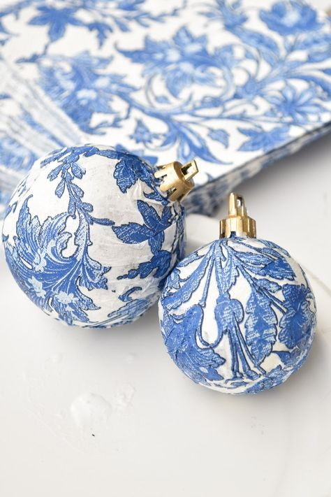 DIY Dollar Store Blue & White Chinoiserie Ornaments DIY Chinoiserie Blue & White Ornaments Using Dollar Tree Supplies and Napkin! A quick, easy, budget friendly holiday and Christmas decor craft. Best Christmas Tree Decorations, Dollar Tree Christmas, Cool Christmas Trees, Dollar Tree Crafts, Diy Christmas Ornaments, Christmas Bulbs, White Christmas, Blue Christmas Decor, Xmas