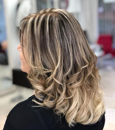 +15 Mechas corte tratamento joico ! #haircontour #wellafusion #wella #braehaircare #bondangel #plex #olaplex #hair #hairstyle #haircolor #balayage #malgahair #portoalegre #esteticas #job#love #madeixas #loira #blond #hairblond #loreal#haircolorist #fiossaudveis #reconstrucaocapilar #gratidao #deusnocomando #influenciadoradigital#jnhairstyle