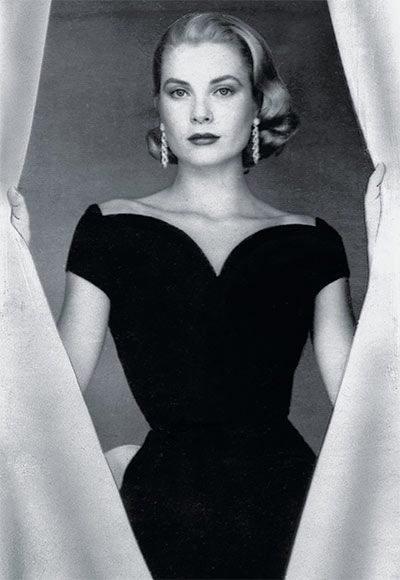 #GraceKelly proved that when your evening dress is a stark stunner, one single showstopping accessory, like statement earrings, is all you need! http://www.instyle.com/instyle/package/general/photos/0,,20398276_20522658_21045264,00.html
