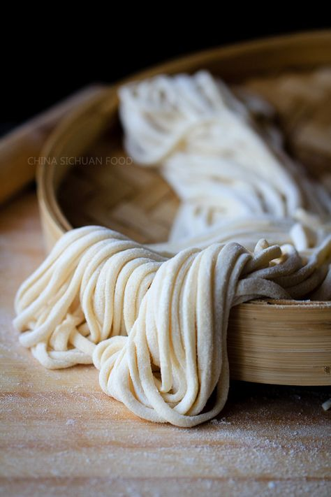 Homemade Noodles - Basic Chinese style homemade (handmade) noodles recipe.