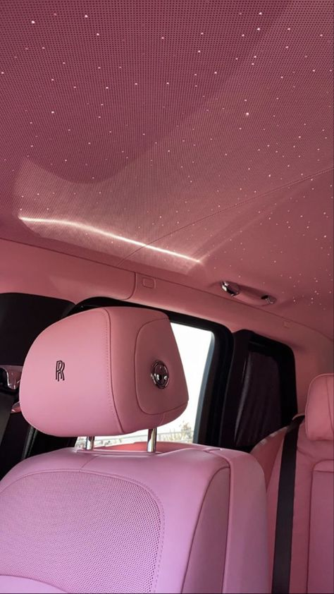 Kylie Jenner Auto, Kylie Jenner News, Kardashian Jenner, Rolls Royce Interior, Car Interior Decor, Lux Cars, Pink Princess, Expensive Cars, Pink Aesthetic