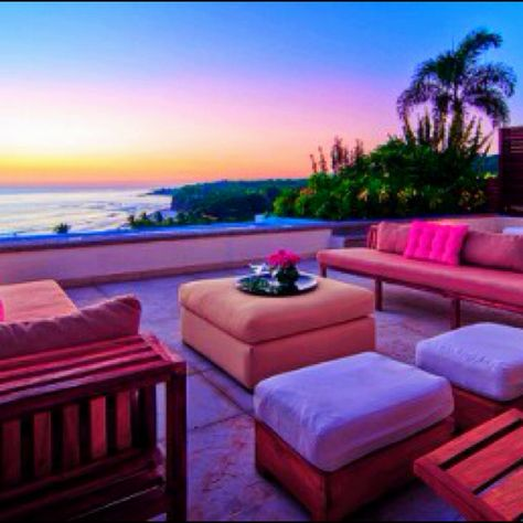 I would LOVE this.. Ugh someday!! | Outdoor lounge ...