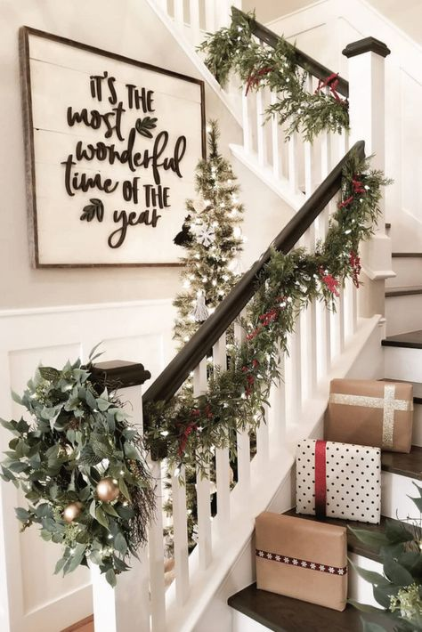 festive christmas staircase decor ideas 27 Artificial fir tree as Christmas decoration? A synthetic Christmas Tree or a real one? Lovers of art Christmas Mood, Merry Little Christmas, Noel Christmas, Christmas Signs, Christmas Lights Outside, Cabin Christmas, Christmas Fireplace, All Things Christmas, Christmas Presents