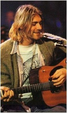 ♡♥Kurt Cobain - click on pic to see a larger pic♥♡