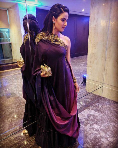 Jasmine bhasin in golden Petal awards