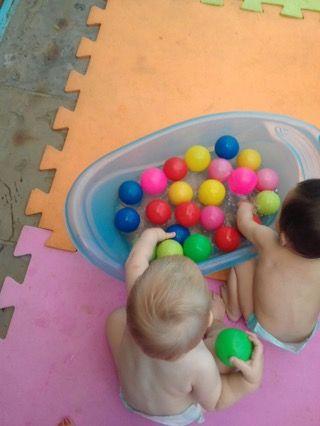 Bercario Bolas Na Agua Com Imagens Brincadeira De Bebe