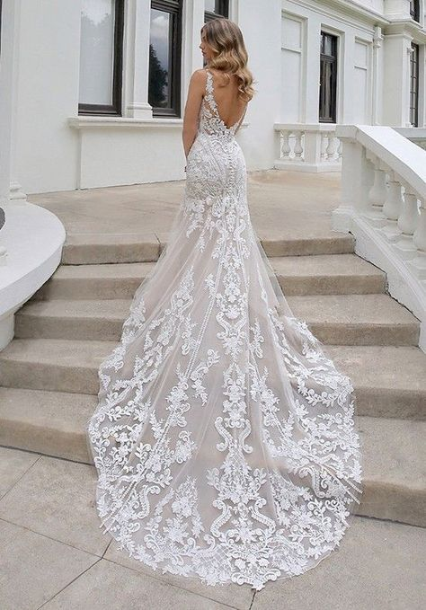 Wedding Dress Pictures, Best Wedding Dresses, Bridal Dresses, Gown Wedding, Wedding Cakes, Wedding Rings, Wedding Dress Long Train, Wedding Attire, Backless Wedding Dresses