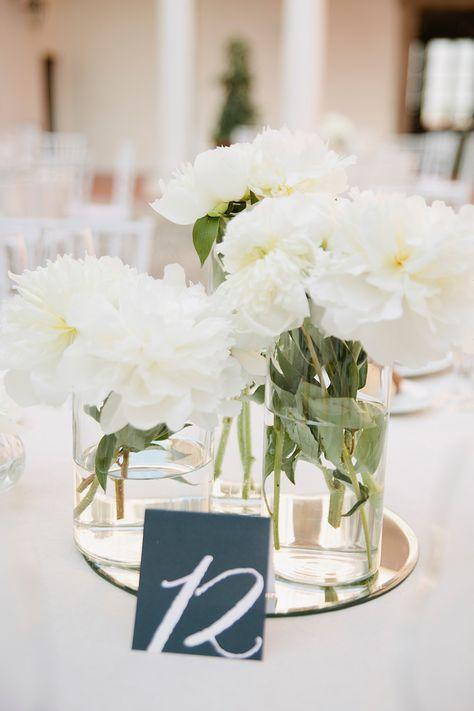 Bouquet Sposa Unico Fiore.Peonie Per Un Matrimonio Blu Peonie Matrimonio E Matrimoni Bianchi