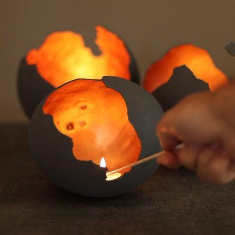 Wir haben aus Beton wunderschöne Kerzenhalter gemacht - diese geheimnisvoll schimmernden Dracheneier! #diy #kerzen #beton #drachenei #dracheneier #anleitung #selbermachen #selbst #basteln #ostern