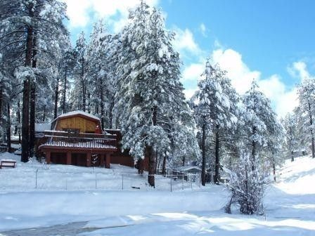 rent rental accommodations front cabins mountain getaway inn large new arizona group cabin flagstaff and for