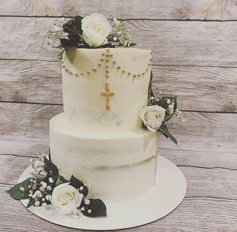 White vanilla almond cake with a simple cross Boys First Communion Cakes, Boy Communion Cake, Baptism Party Decorations, First Communion Decorations, Baby Christening Cakes, Baptism Cakes, Simple Baptism Cake, Religious Cakes, Confirmation Cakes