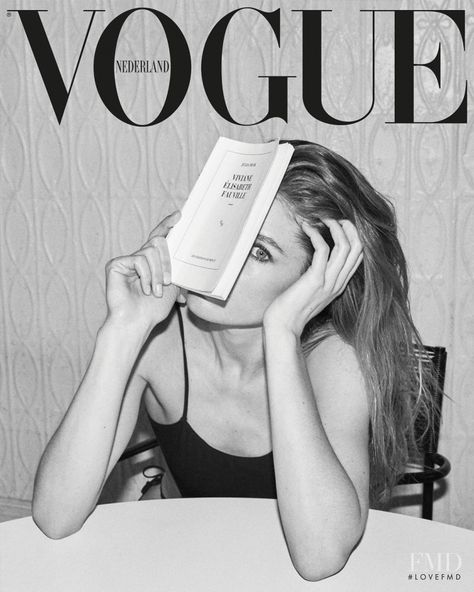 Lensed by photographer Daniel Jackson, top model Doutzen Kroes lands the May 2019 cover of Vogue Netherlands in a black one-piece swimsuit.In the cover story. Vogue Editorial, Editorial Fashion, Vogue Magazine Covers, Fashion Magazine Cover, Fashion Cover, Doutzen Kroes, Vogue Vintage, Vintage Vogue Covers, Classy Aesthetic