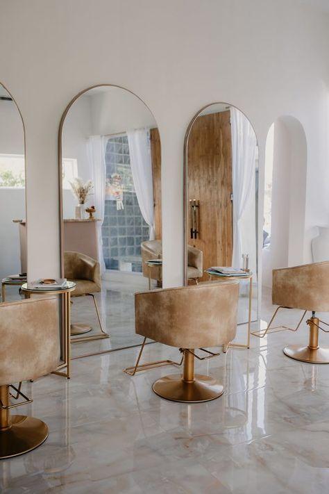 Home Hair Salons, Hair Salon Interior, Home Salon, Salon Interior Design, Spa Room Decor, Beauty Room Decor, Beauty Salon Decor, Small Beauty Salon Ideas, Small Salon Designs